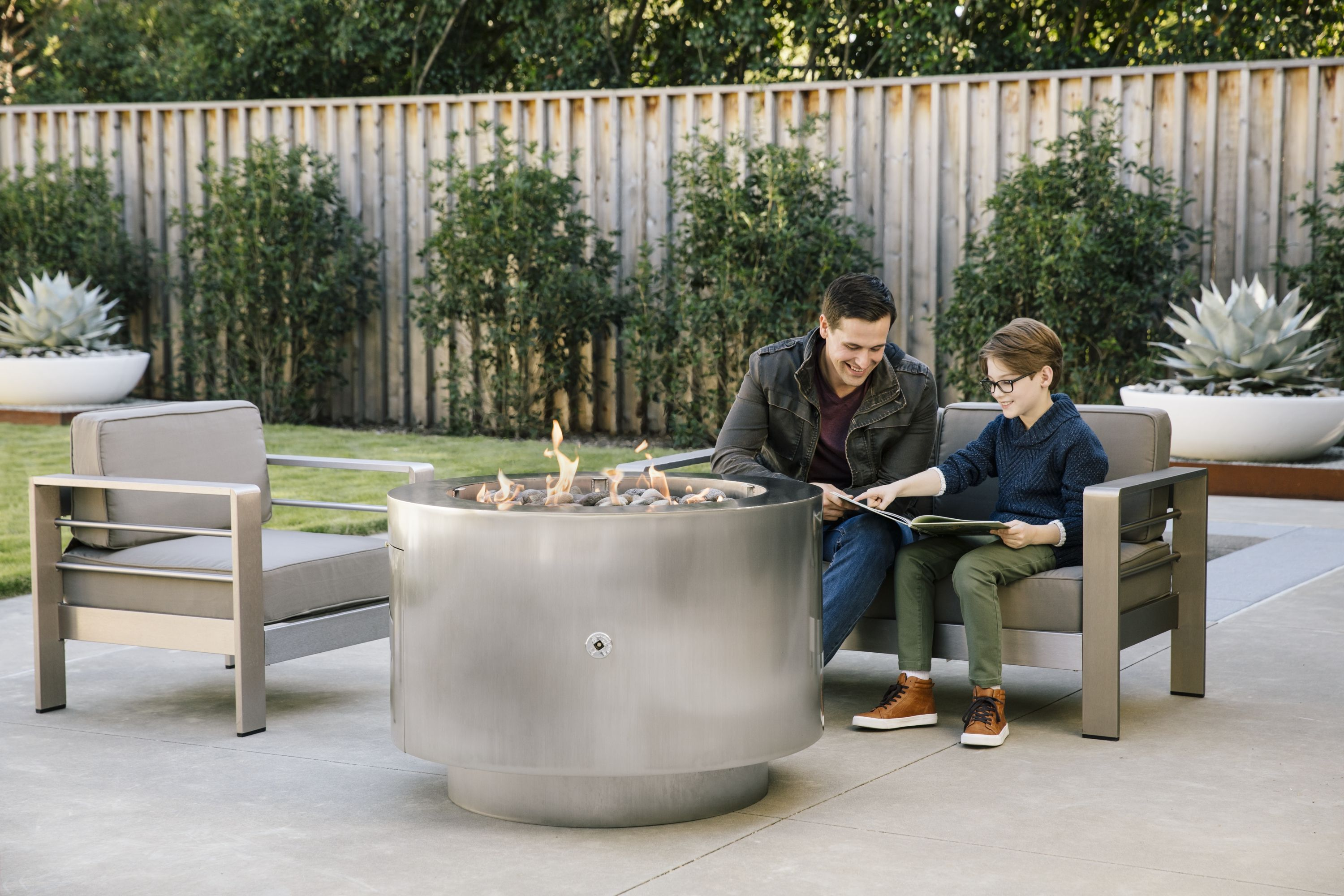 38 Inch Round Stainless Steel Fire Pit Natural Gas Or Remote Propane Stainless Steel Fire Pit Steel Fire Pit Fire Pit