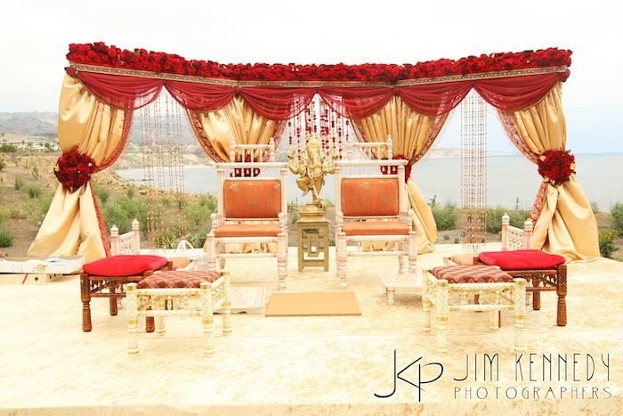Outdoor indian wedding stage decorations outdoor indian weddings outdoor indian wedding stage decorations outdoor indian weddings junglespirit Choice Image