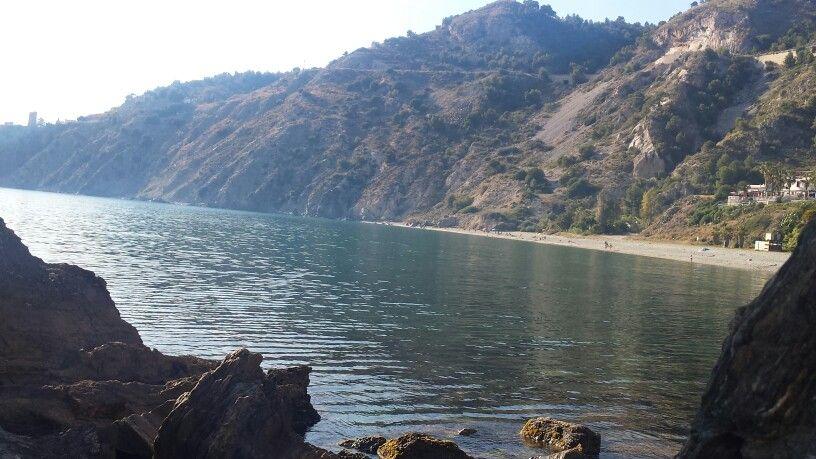 El cañuelo costa tropical parque natural de acantilados de maro y maro y cerro gordo.
