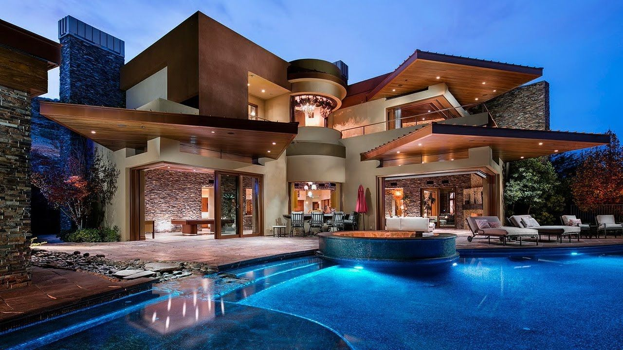 Amazing Contemporary and Futuristic Looking Modern Home in ...