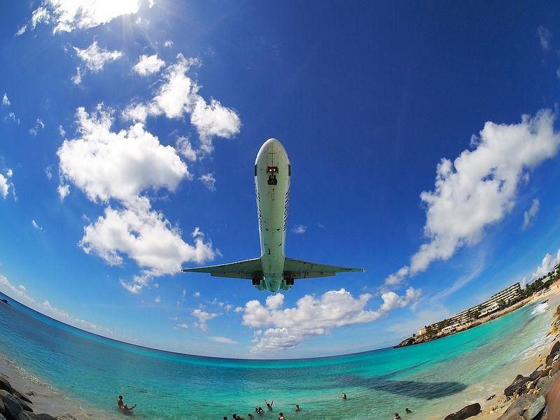 Extreme Plane Spotting At Maho Beach Saint Martin Freedom Of The Seas Saint Martin Favorite Places