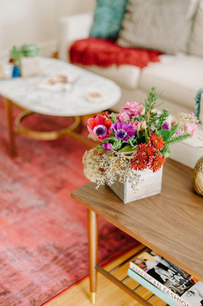 gorgeous flower arrangement #hometour #theeverygirl