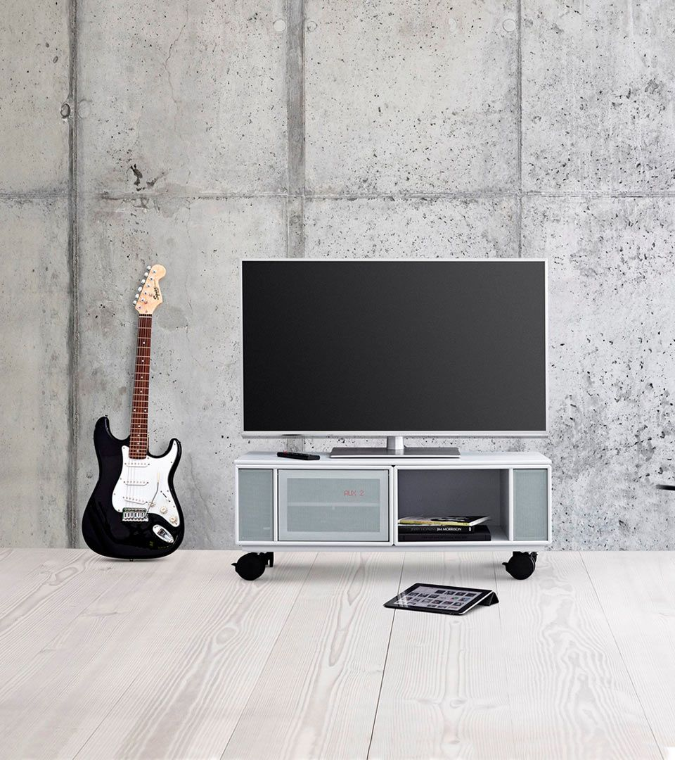 TV on shelves with castors and loudspeakers for the living room ...