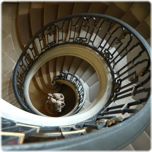 Accent Wall For Circular Staircase: Spiral Staircase, Stairs, Decor
