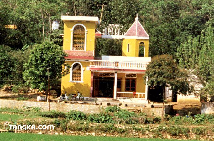 Maison moderne dans la campagne - Vietnam