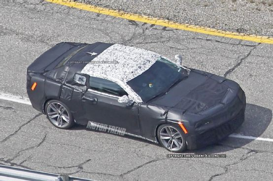 Next-Gen 2016 Chevrolet Camaro Spied for the First Time - Motor Trend