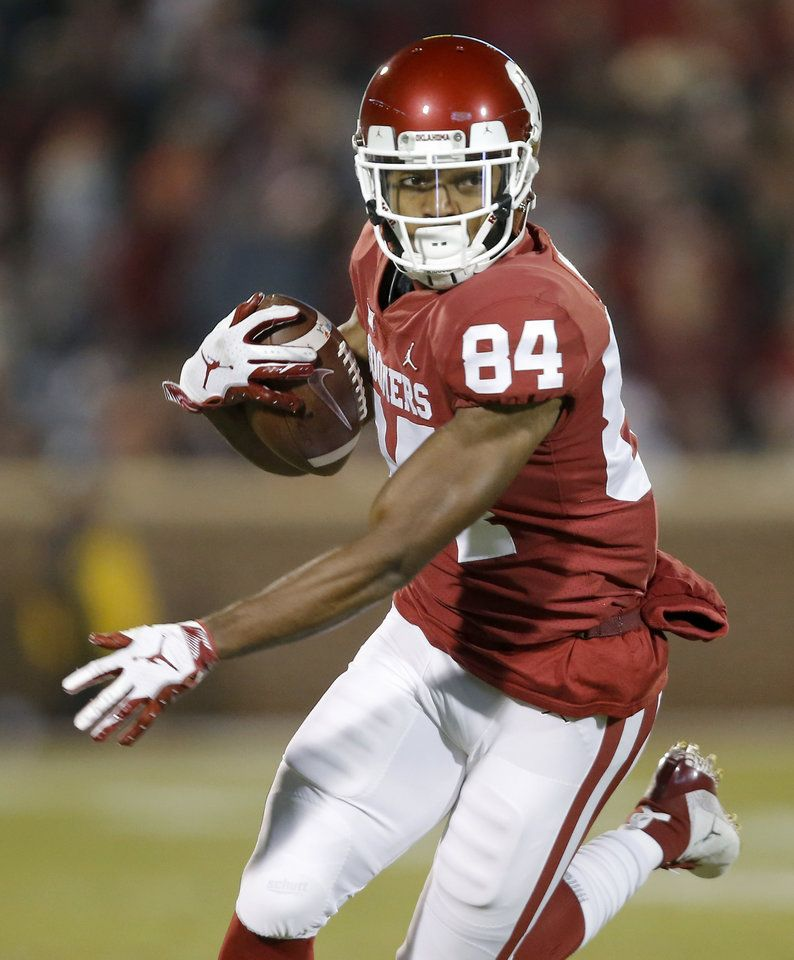 Ou Football Sooners Decimated By Injuries Riley Says Kansas Jayhawks Football Football Ou Football