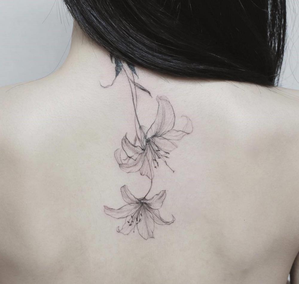 40 idées de tatouage fleur de lys et son signification ...