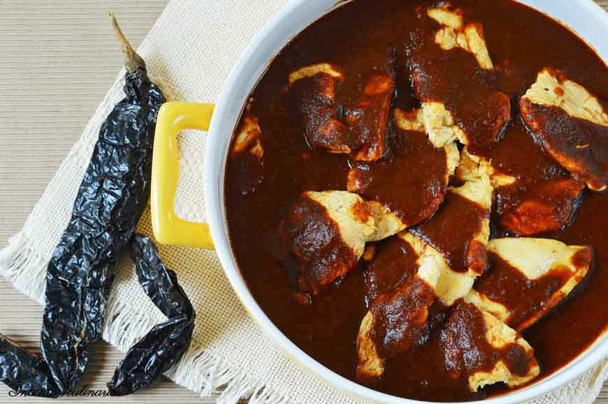 Intentos culinarios: Pechugas de pollo en salsa de chile pasilla