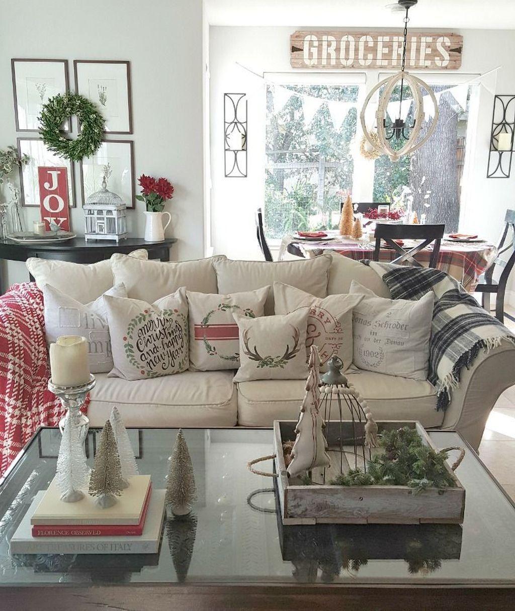 44 Stunning Christmas Decor Ideas With Farmhouse Style For Li