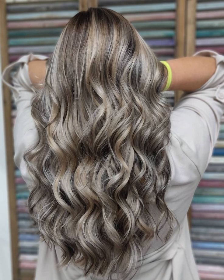 Hairstyles Trend 2019: Mushroom Blonde is the perfect color for blonde and brown hair -