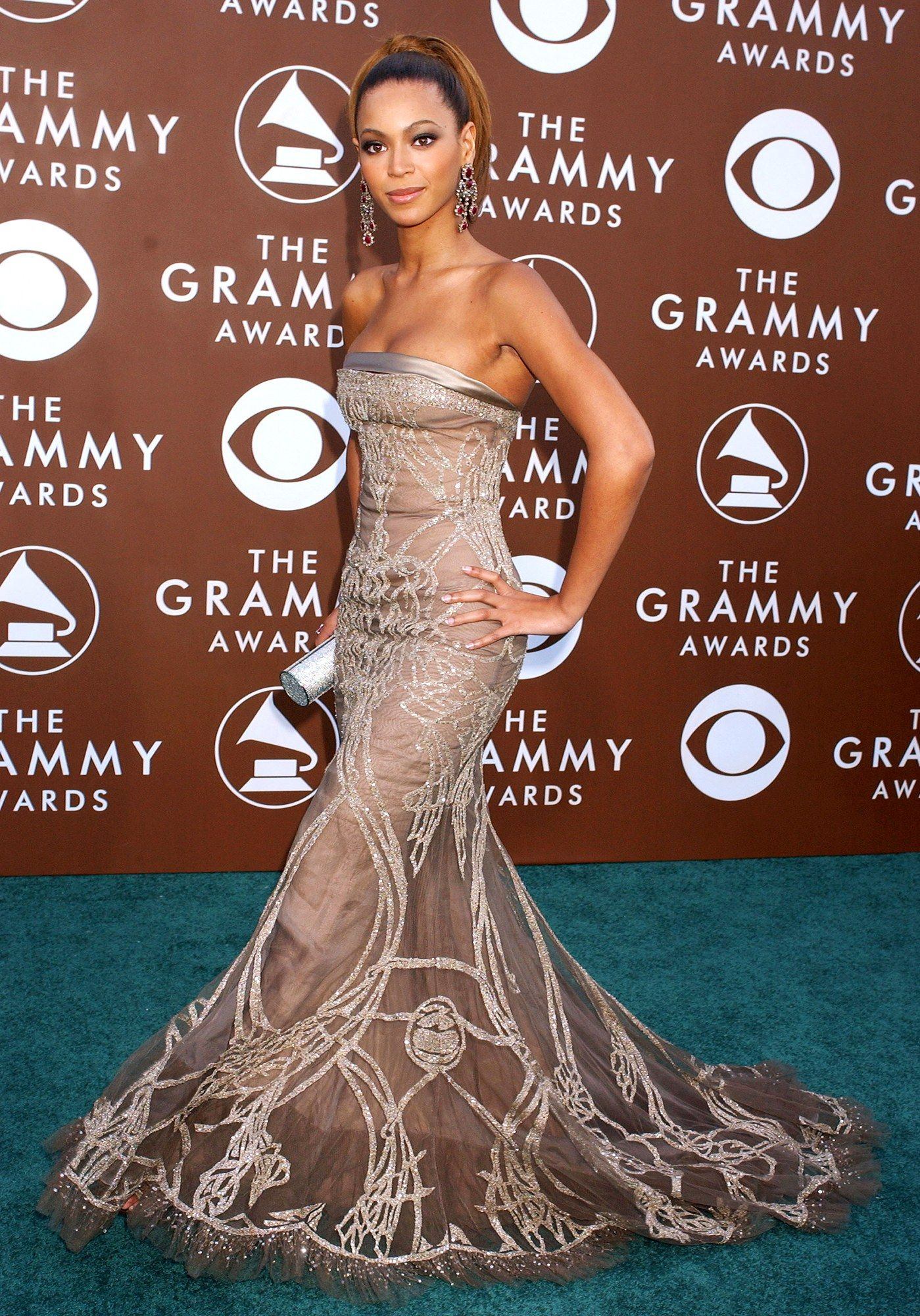 Beyoncé's Showstopping Grammy-Awards Style...2006