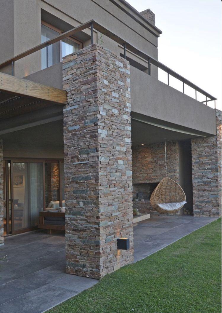 Parement extérieur en 2020 | Entrée maison moderne, Couleur façade maison, Design extérieur de ...