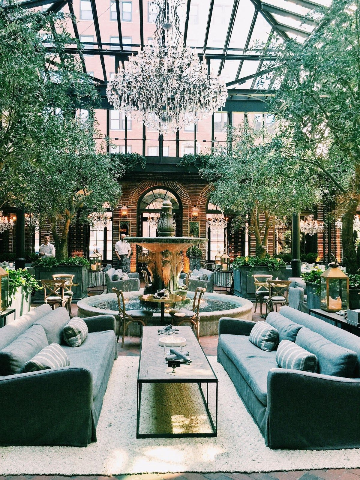 Restoration Hardware Cafe : Arts cafe in the restoration hardware chicago