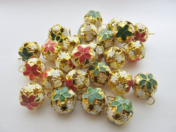 10 x JINGLE BELLS Charms Baubles (18mm) Jewellery Crafts Christmas