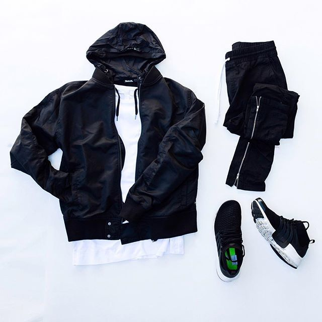WEBSTA @ nwongjpg - Retail Beast.@outfitgrid || #outfitgrid Bomber @zanerobe Hoodie @benchoriginal Tee @project__a Pants @hm Sneakers @nike #flyknitpresto