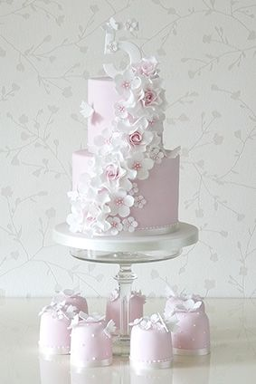 Rachelles Beautiful Bespoke Cakes | Baby | Christening cake