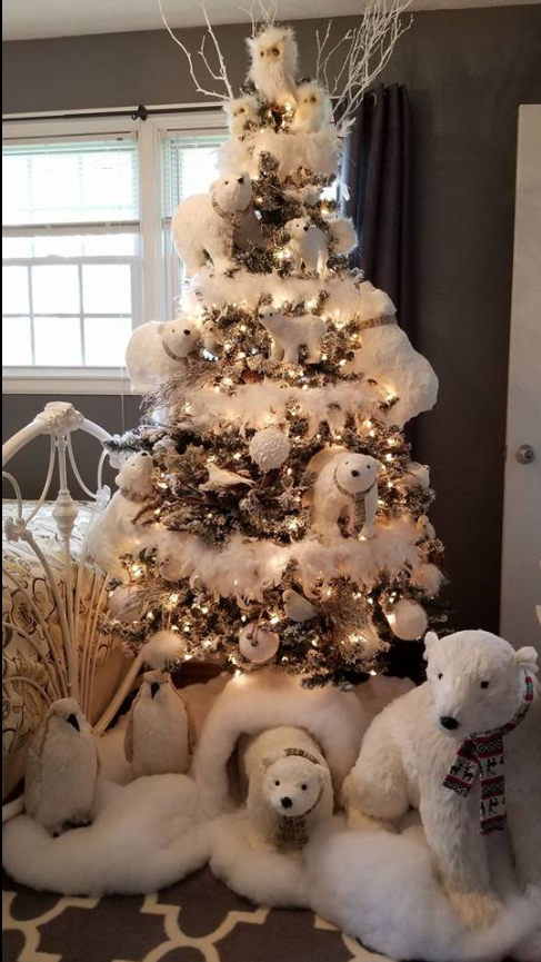 white christmas theme on this tree with polar bears penguins owls love the faux snow cave and snow on the tree - Christmas Tree Decorated With Owls