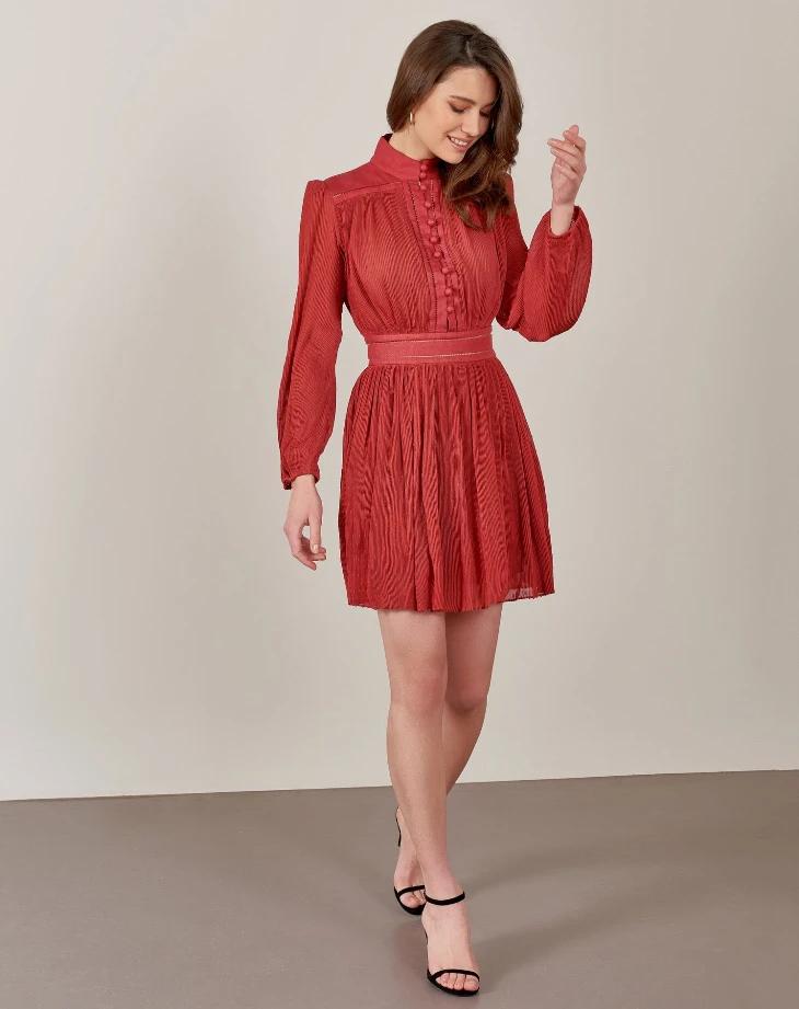 فستان دانتيل قصير منقط أحمر Miss Fashion X Dresses Fashion High Neck Dress