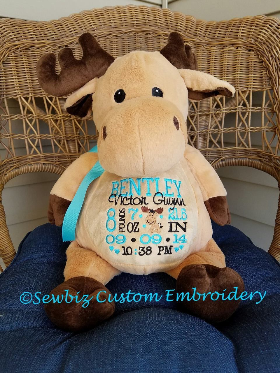 Predownload: Sewbiz Custom Embroidery Personalized Stuffed Moose Stuffed Animal From Embroider Budd Personalized Stuffed Animals Baby Gifts Baby First Christmas Ornament [ 1280 x 960 Pixel ]