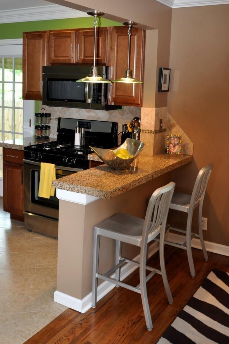 kleine gemauerte Küchentheke mit Granitplatte | Küchenbar Bauen ...