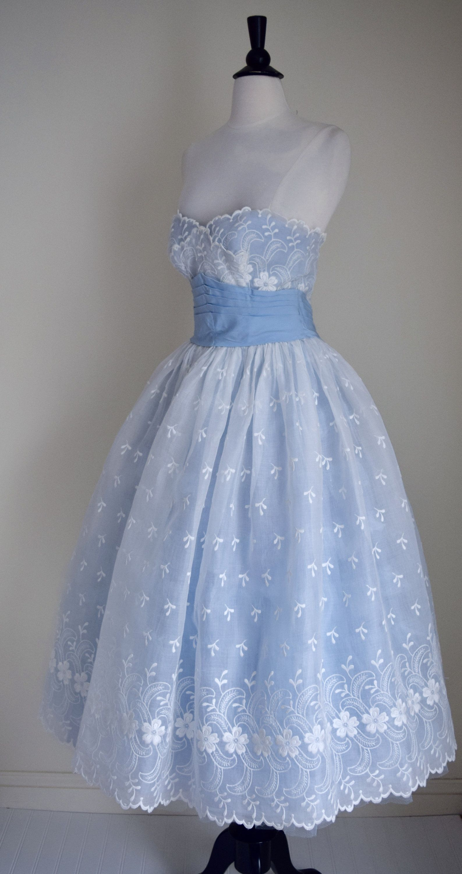 Vintage 1950s Ballerina Gown   50s Embroidered Party Dress   1950s ...