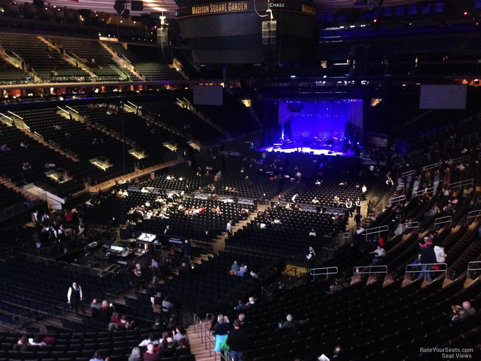 3f3aeddb8bf3fe653cd05cb6208bf1a7 - How Many Seats In Madison Square Gardens
