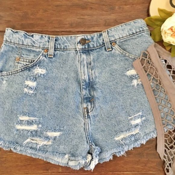 """BOGO SALELevi VTG 954 High Waisted Shorts Vintage Levi 954 high waisted jean shorts. Measurements laying flat: 15"""" waist side to side 13.5"""" long 1.5"""" inseam. ps I'm having a BOGO sale!! Be sure to see my other listings ❤️ Levi's Shorts Jean Shorts"""