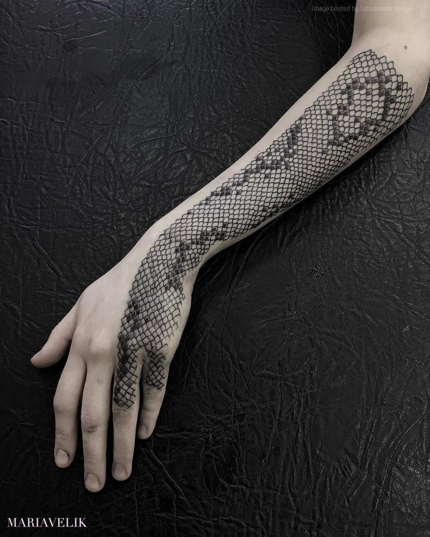 tattoo snaketattoo blackwork snakeskin