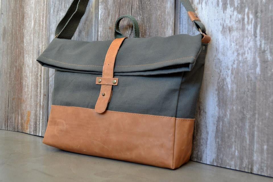 Cuero y lona de algodón (Leather and canvas) www.fridodesign.com       hola@fridodesign.com
