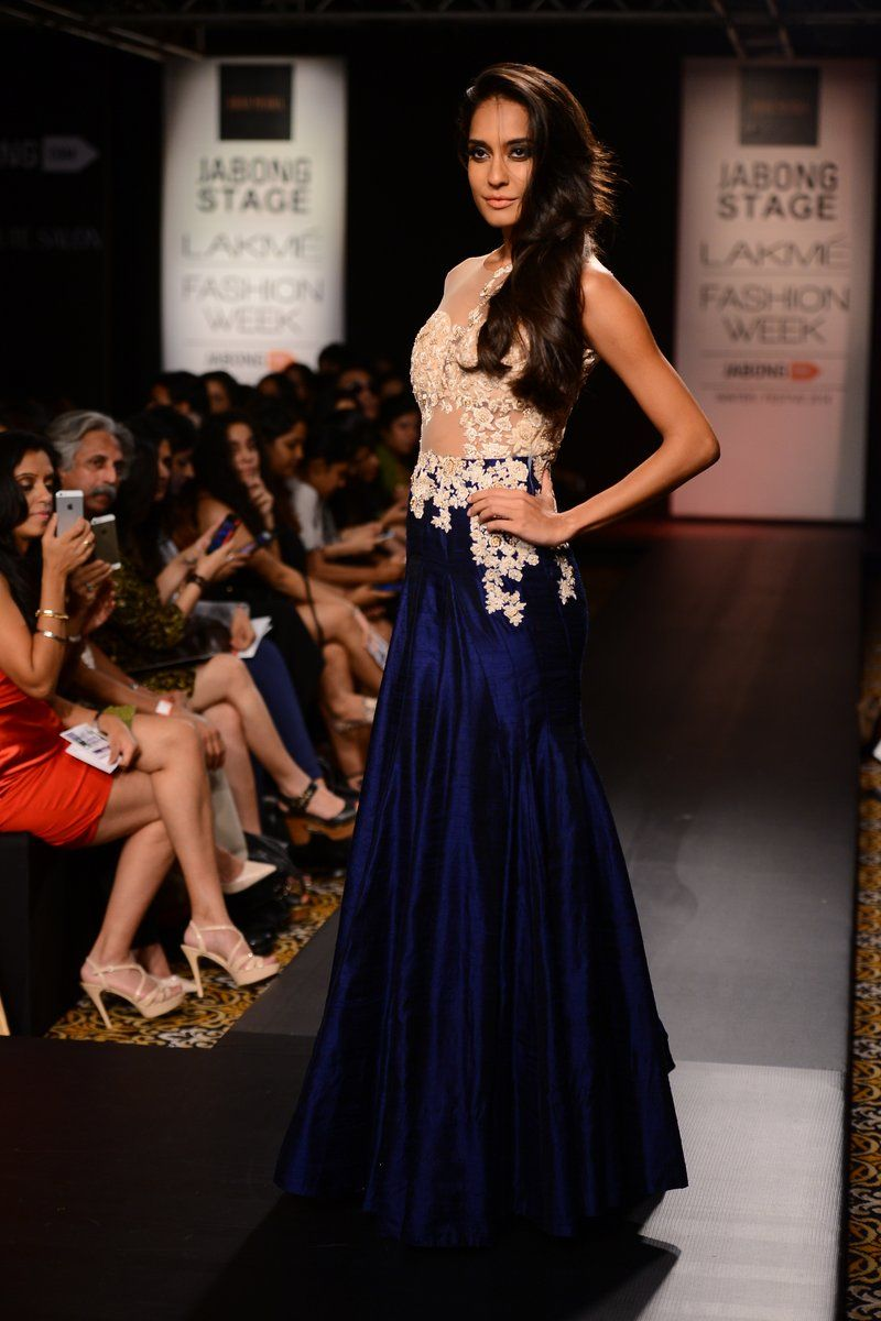 indo western gowns pinterest - Google Search | Exotic wear ...