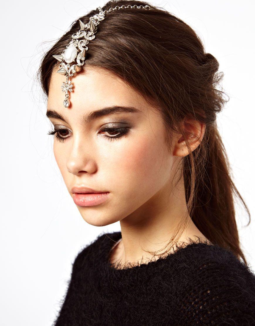 modern hair accessory & smokey make-up | hair & make-up