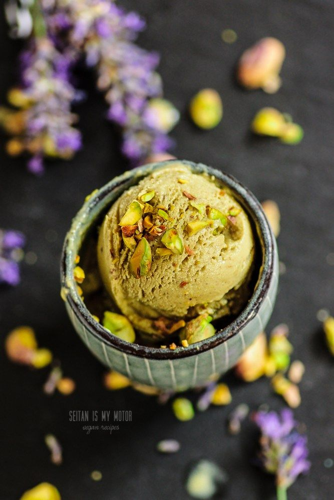 Pistachio Ice Cream {Four Ingredients} | seitan is my motor