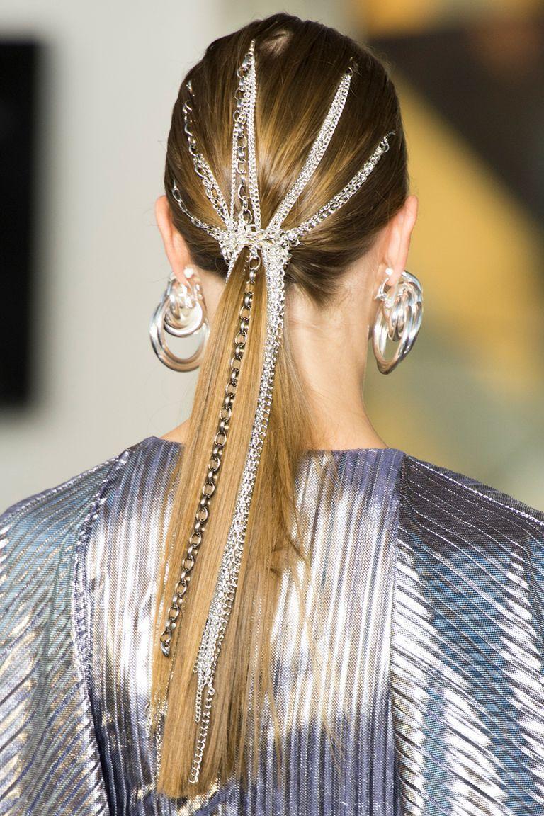 Photo of Høst / vinter 2020 frisyre trender – AW20 catwalk hårtrender