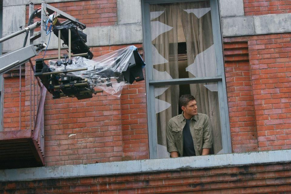 """Jensen behind the scenes of 5x04 """"The End"""" from the show Supernatural"""