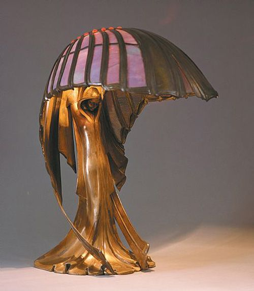 A beautiful art nouveau lamp -- wish I had about a million dollars. I would decorate my whole house with stuff like this!