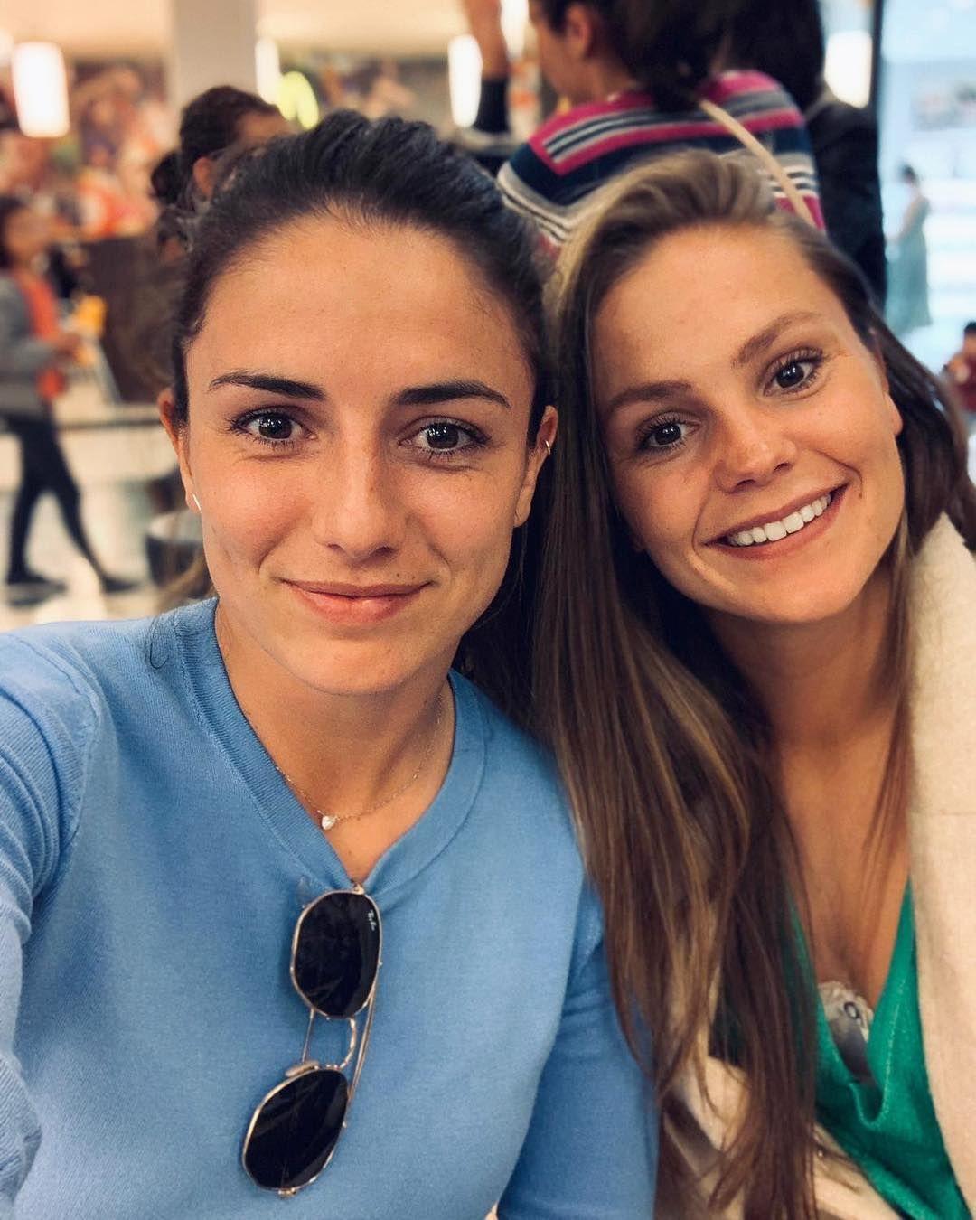 Lieke Martens Instagram Com Another Fan Popping To See Me In Barcelona Vrouwenvoetbal Meisjes Voetbal Voetbalvrouwen