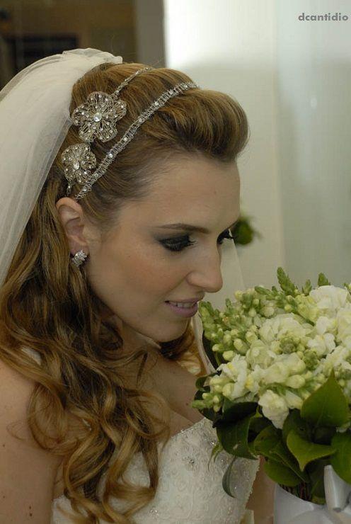 Semi Preso Com Tiara E Véu Lindo Wedding Ideas