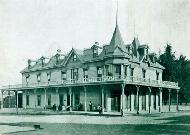 Hopland Hotel California