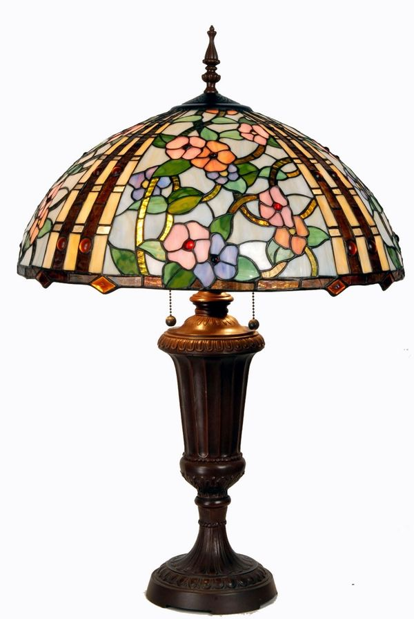 Tiffany lamp |