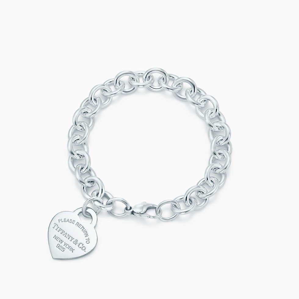 Bracciale con ciondolo a cuore e chiusura toggle in argento, medio.