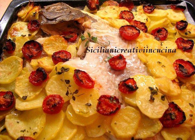 Rombo al forno con patate e pomodori confit | SICILIANI CREATIVI IN CUCINA | di Ada Parisi