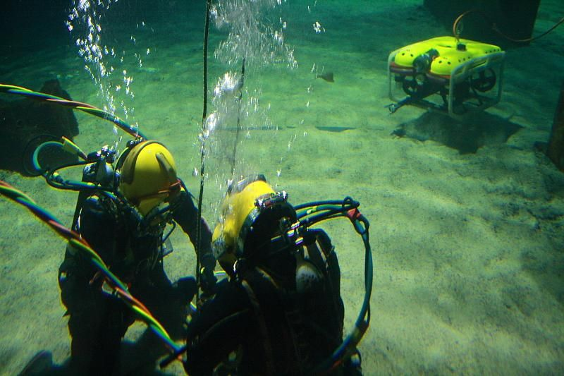 how to become an underwater welder in the navy