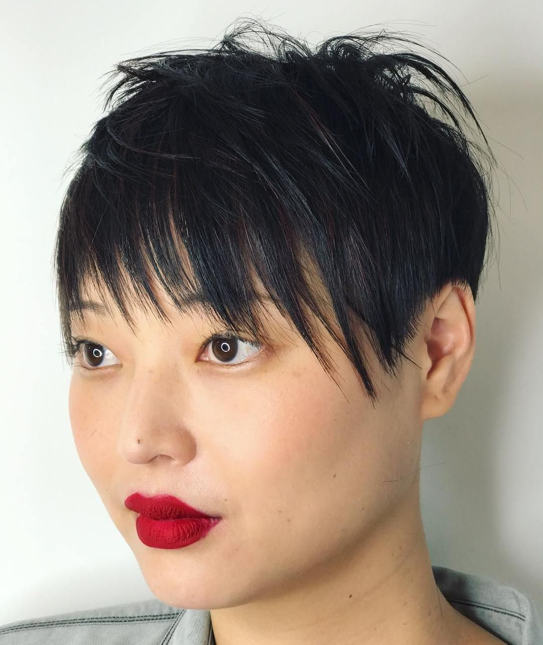super cute looks with short hairstyles for round faces short