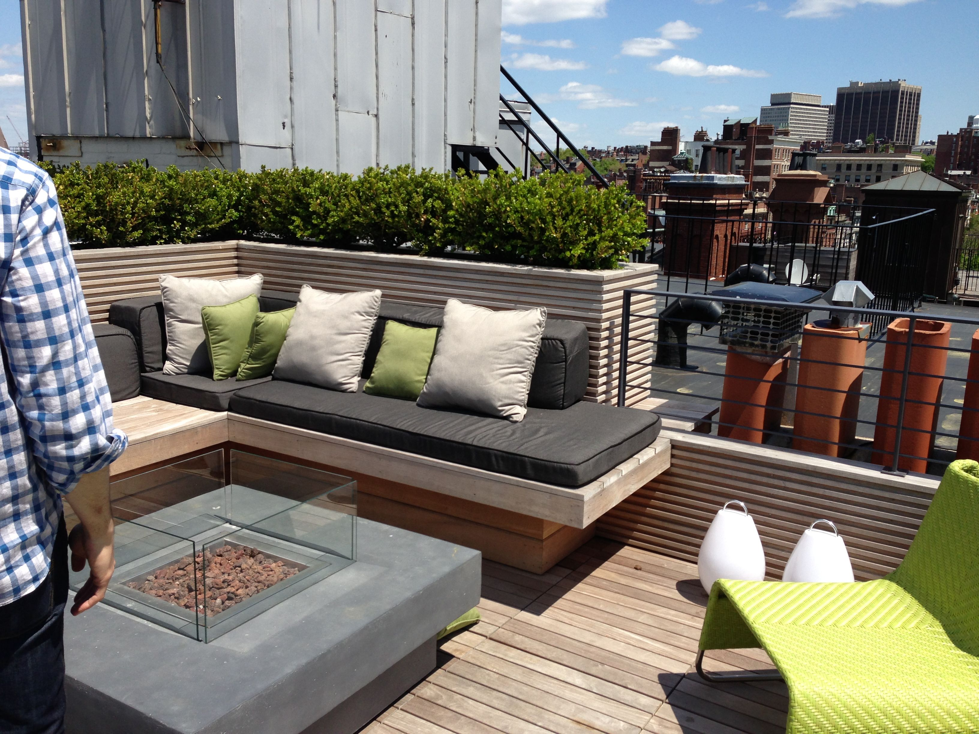 Roof deck beacon street boston wakefield condo for Terrace seating ideas