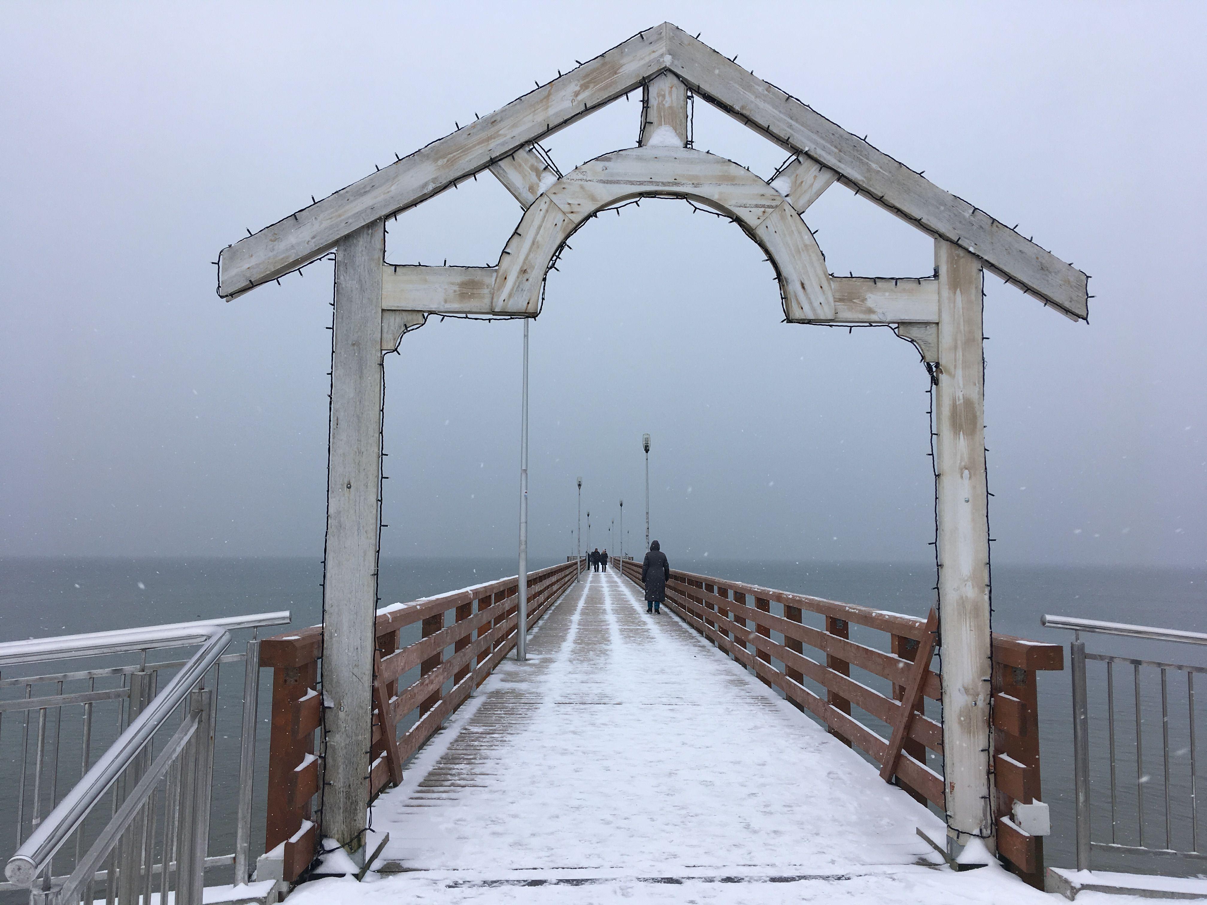 Пусть на пирс. Зимняя Балтика. Фото: Vladimir Shveda