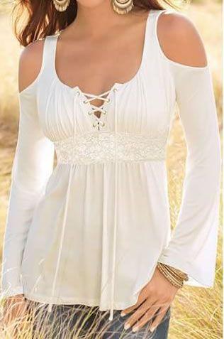 8cda3552b9224 Patrón de esta maravillosa blusa con manga larga y abertura en el hombro.  Es una blusa muy bonita e original