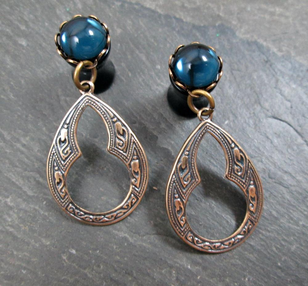 00g 8mm 10mm 1//2 aka 6mm 0g 12mm 7//16 Elegant Key stretched dangle earrings pretty pearl EAR PLUGS you pick the gauge size 2g