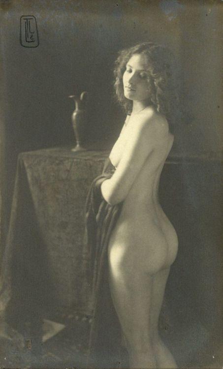 nude girl high on weed