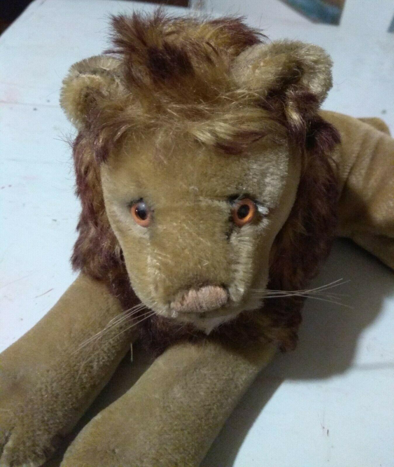 Vintage Steiff stuffed animal lion